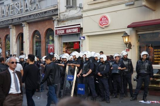 manifestati&polis