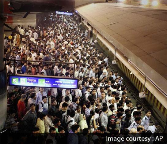 Crowd_Delhi_Metro_600
