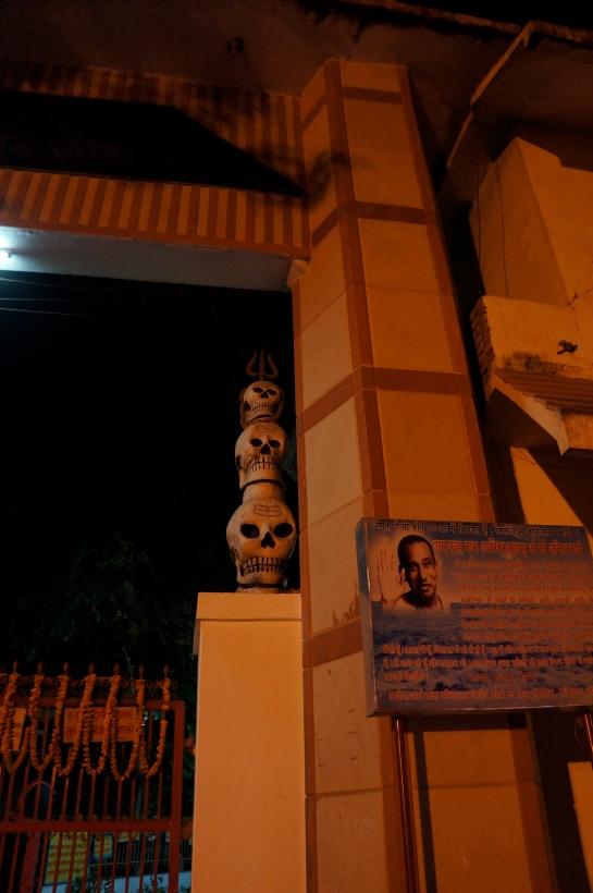 ashramul canibalilor